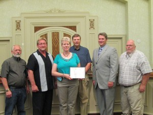 The Freeborn County Breastfeeding Coalition honors Freeborn County as a Breastfeeding Friendly Worksite for 2013. Pictured from left are Jim Nelson, Glen Mathiason, Sue Yost, Dan Belshan, Chris Shoff and Mike Lee.