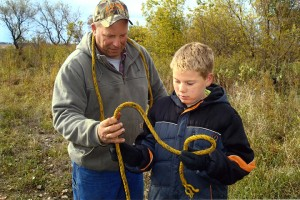 Bob Ball, the Southern Gateway Chapter president of the Minnesota Deer Hunter's Association, instructed students how to tie a knot on Oct. 19. — Submitted