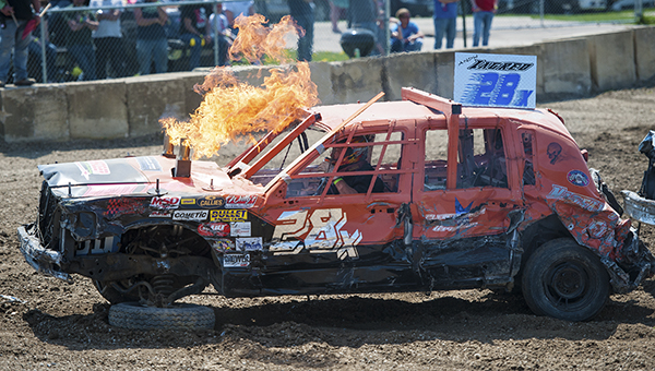 Demolition Derby Hits On All Cylinders Albert Lea Tribune Albert Lea Tribune